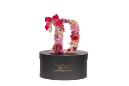 D Letter Box Με Τεχνητά Τριαντάφυλλα (Διαρκούν Για Πάντα) Με Led Φωτάκια & Swarovski Crystals. Διαθέσιμο Και σε Μπλε Χρώμα