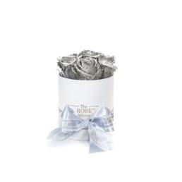 Forever Roses Baby Με Ασημί Τριαντάφυλλα Σε Λευκό Κουτί Δώρου